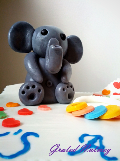Welcome To Part 2 Of The Sugar Buttons Baby Elephant Bath Time Fun Cake Yesterday Sarah Harris From Cupcake Range Showed You How Make Rocky Road