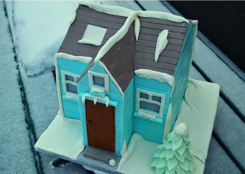 This Is A Tutorial On How To Make House Shaped Cake As You Will See Below The Actual An 8 Inch Square I Was However Able Transform