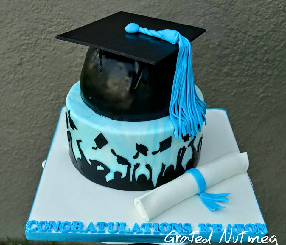 Images Of Graduation Cake : The Making of a Graduation Cake   Grated Nutmeg