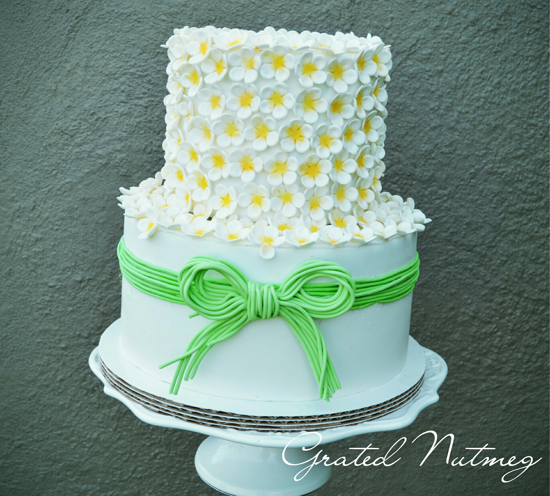 Wedding Cake with Flowered Top Tier – Grated Nutmeg