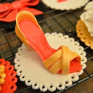 Fondant stiletto shoe tutorial grated nutmeg shoe maxwellsz