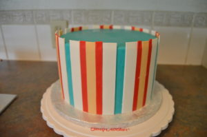 How to Make Vertical Fondant Stripes on Cakes   Grated Nutmeg