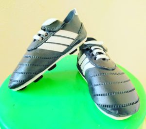 This Is A Tutorial On How To Make Soccer Boots These Can Be As Toppers For Themed Cakes Fondant Are Easy And Need